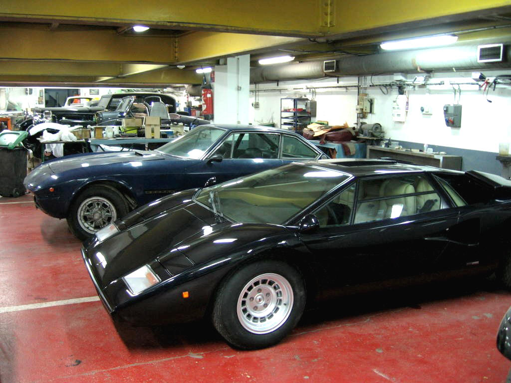Lamborghini Islero 400 Gt Chez Autodrome Paris Pagani