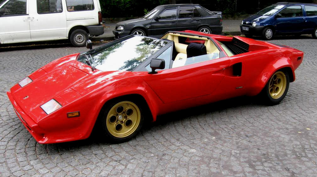 Je veux voir... - Page 4 Lamborghini_countach_mardikin_3-4-front