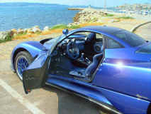 paganiz_zonda_moscow_blue_open-door_seaside.jpg (303836 octets)