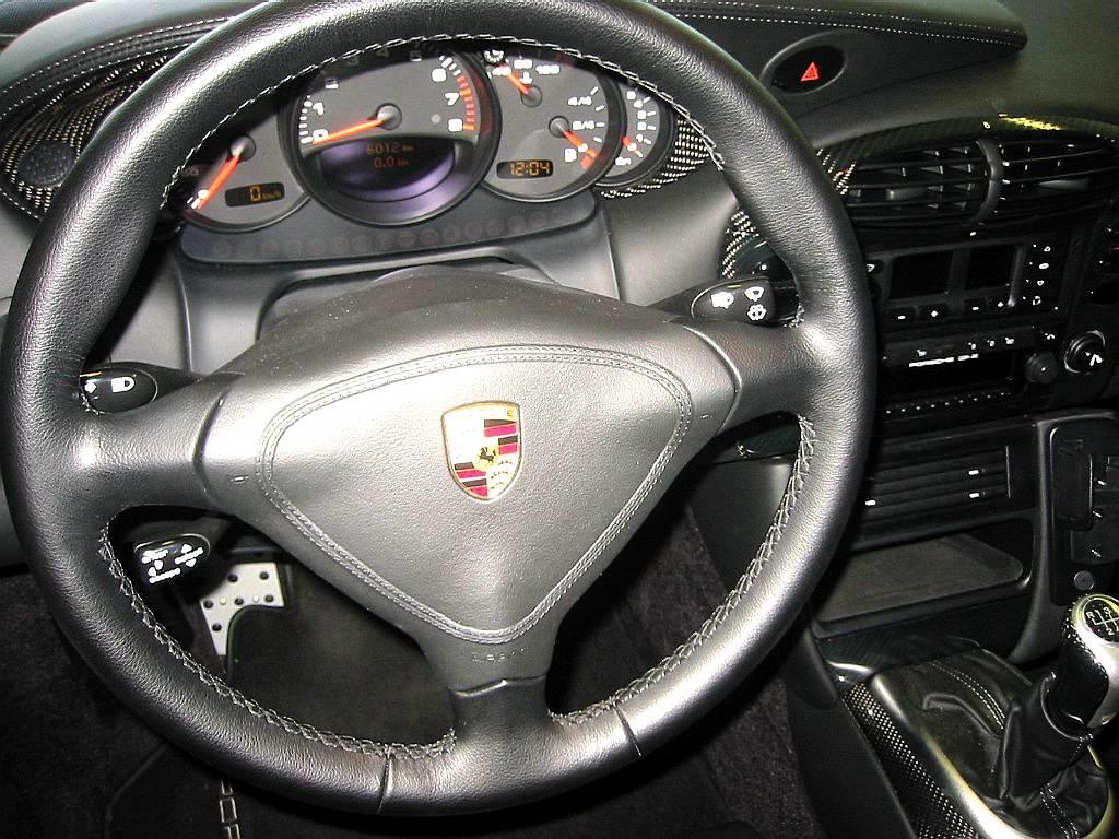 Porsche 996 gt2 chez autodrome cannes for Porsche 996 interieur